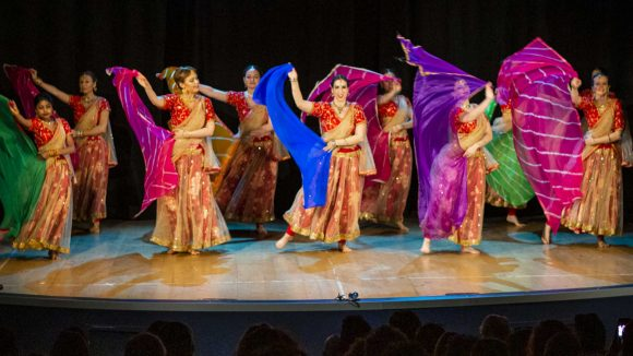 Corsi di Bollywood Dance Open Level Milano Loreto RajawaraDance school & Indian creative arts