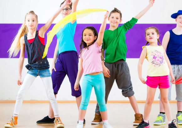 Yoga Kids Corsi di danza per i bambini Rajawaradance school & Indian creative arts